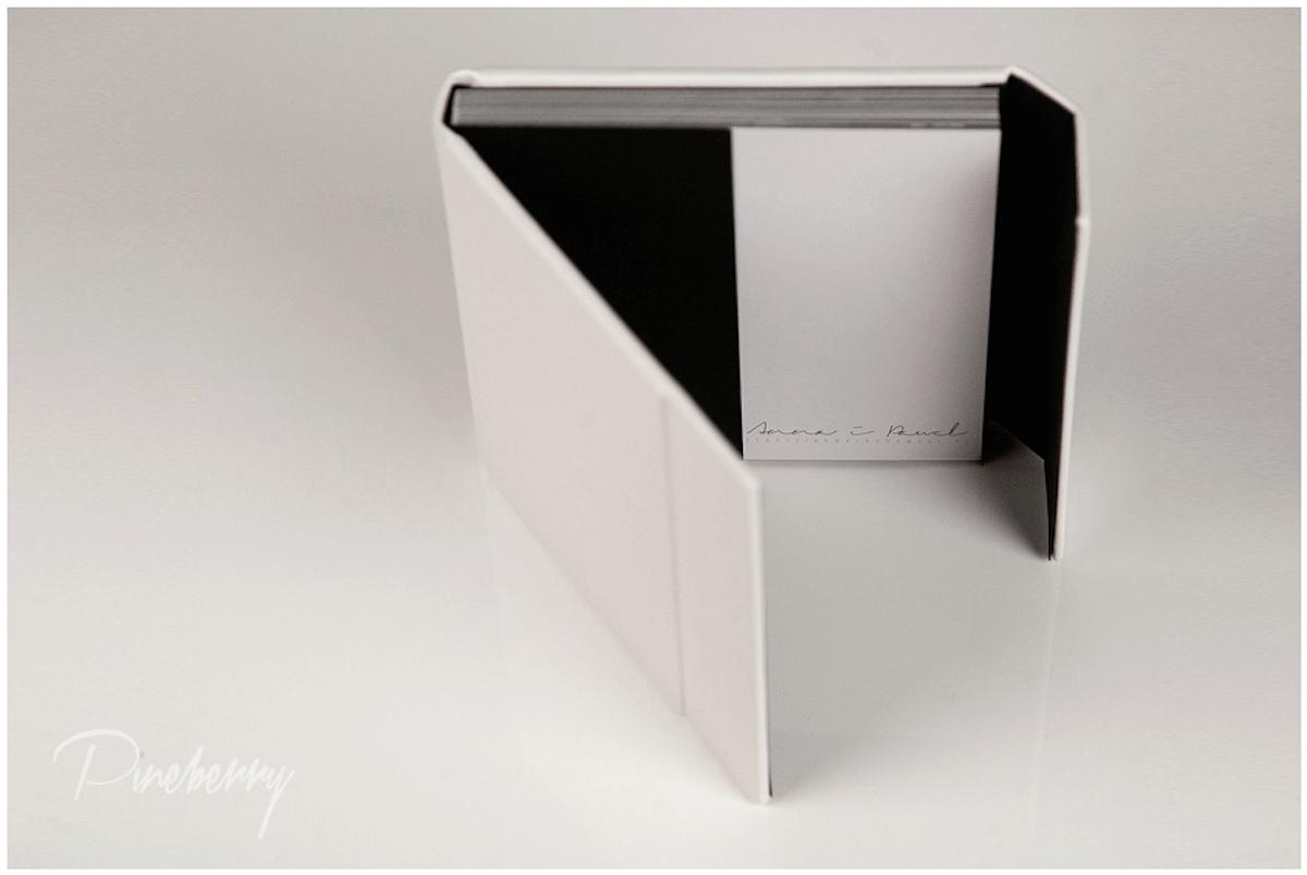 Albumy fotograficzne - Pineberry - polecani dostawcy fotografa